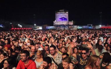 El Low Festival estrena su décima edición con más de 25.000 asistentes en la primera jornada