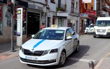 Benidorm convoca ajudes per a pal·liar els efectes de la Covid-19 en el sector del taxi