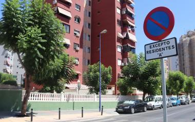 Las autorizaciones para aparcar en 'Zona de Residentes', validas hasta finales de junio