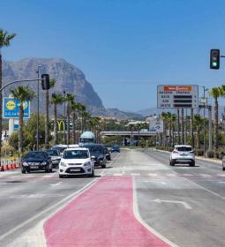 The road traffic entering Benidorm on the CV-70 once again has two lanes