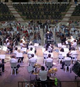 La SM l'Illa abre los 'Concerts d'Estiu' de las bandas de Benidorm en el audi...