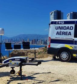 La Unidad Aérea de la Policía Local de Benidorm está operando equipos de dete...