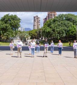Minute of silence in Benidorm for the woman murdered in Navarra