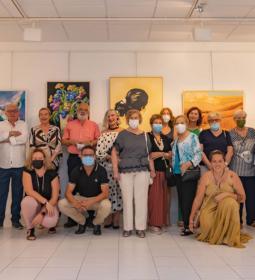 La Asociación de Amas de Casa de Benidorm expone 'Amas-Arte'