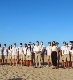 Finalizan su servicio las 58 personas contratadas como informadores de playas...