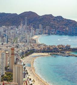 Benidorm announces new grants for companies with more than 10 workers