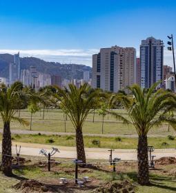 Espacio Público instala una nueva zona biosaludable en el Parque de la Séquia...