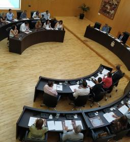The local government proposes to the full demand that the State update and pa…